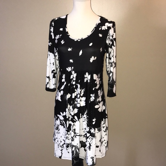 12d1534a8c9 r&b collection Dresses | Rb Black White Floral Empirewaist Tunic ...
